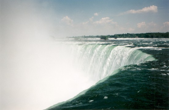 Niagara in fly by